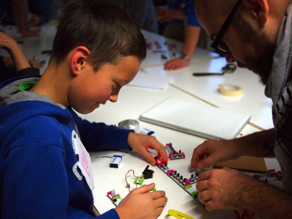 Marcus bygger med LittleBites